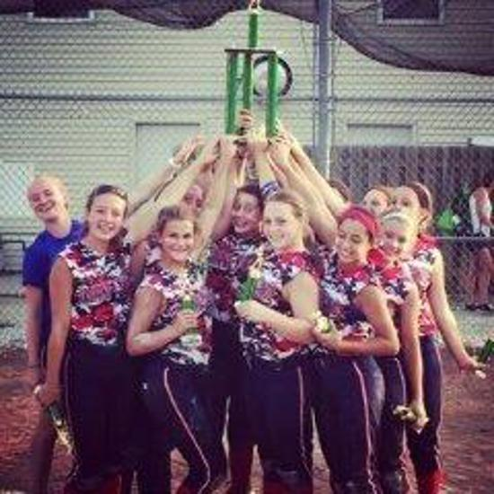 lady-mustangs-2015-trophy-raise-medium